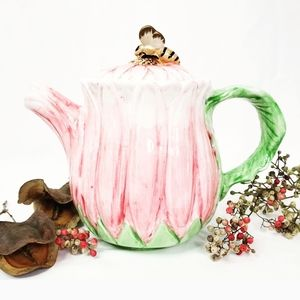 Other - Flower Garden Ceramic Tea Pot with Cute Bee